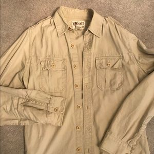 Abercrombie & Fitch button up shirt! Tan size XL